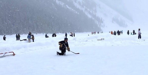 Lake louise pond hockey3 1024x525