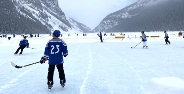 Lake louise pond hockey5 1024x525