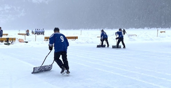 Lake louise pond hockey6 1024x525