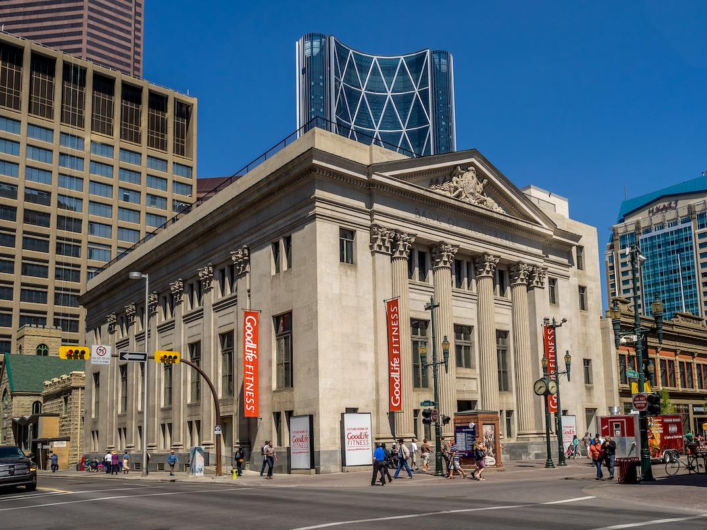 Bank of Montreal Stephen Avenue (Jeff Whyte/Shutterstock)
